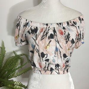 Zara • pink floral off shoulder button crop top